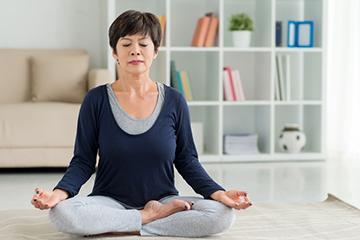Planifique para que el entrenamiento físico sea parte de su rutina durante el retiro.