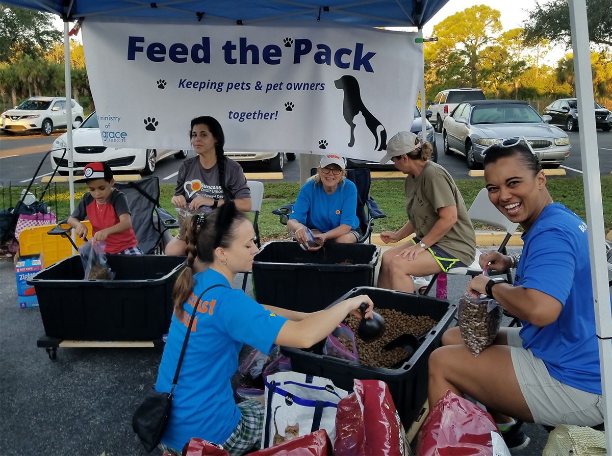 Suncoast Credit Union employees volunteer for Pay it Forward Day 2018