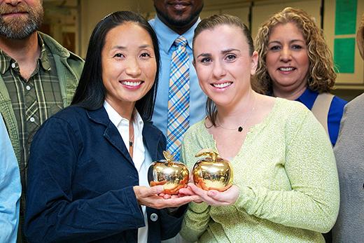 Entrega de premios Golden Apples para maestros de Naples patrocinada por Suncoast Credit Union