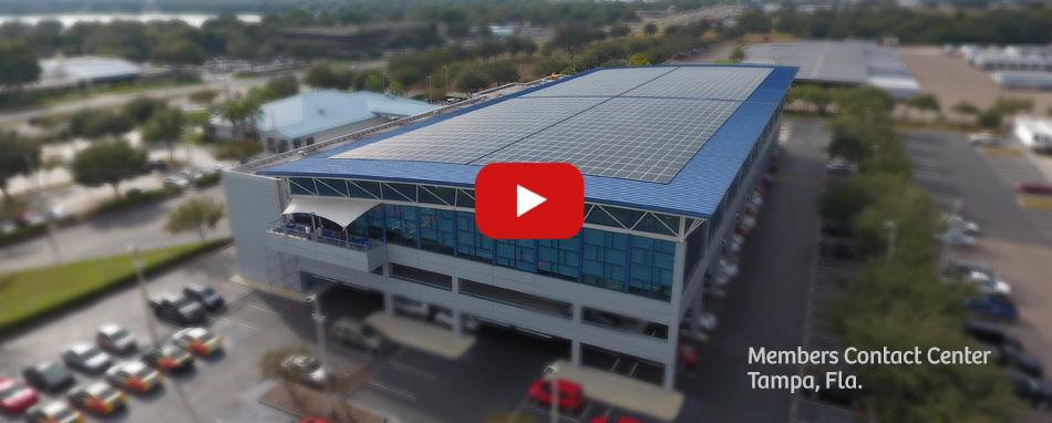 Paneles solares en el Centro de Contacto para Miembros de Suncoast Credit Union